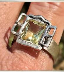 Window Ring with citrine or amethyst