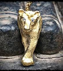 Litltle Lioness Pendant gold plated and diamonds