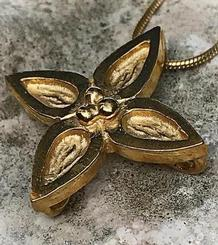 Big Sitges Giants' Flower Pendant gold plated